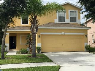 Fully equipped 4 bed villa (sleeps 10), Kissimmee