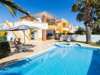 2 Bed semi detached towhouse w/ private pool