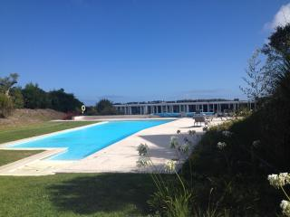 5 Star Two bed town house on private golf resort, Obidos
