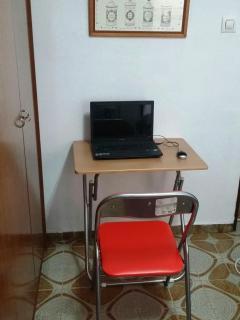 Silla y mesa para portatil