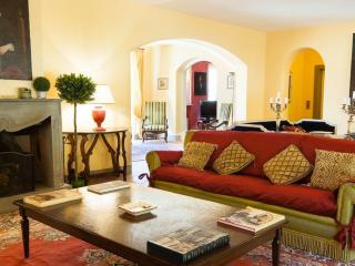 Luxury Villa with 7 Bedrooms, Lucca