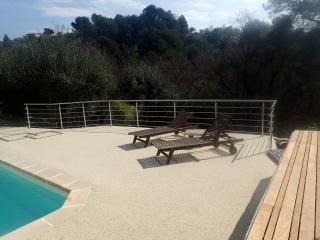 Villa et piscine calme proche mer