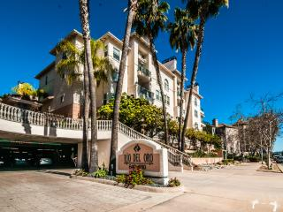 1479 Sf, 2 Story, 2 Bedroom, 2.5 Bath Town House, San Diego