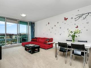 SX339 - 2BR + Study, Great Location, Modern with CBD views