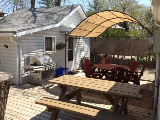 Cozy one Bedroom Cottage Close to the Beach!, Grand Bend