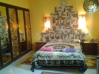 DOUBLE BEDROOM/SUITE B&B