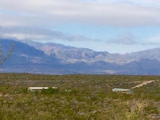 Chinati Mountain Retreat-2 hrs SW of Marfa