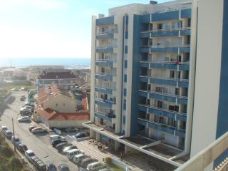 20min from Porto center, facing 10.beach in Europe