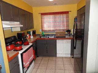 Best Deal N Town #2 of #5-2 bedroom Fits up to 10!, Gainesville