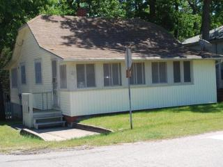 Great Cottage One Block from the Beach, Grand Bend