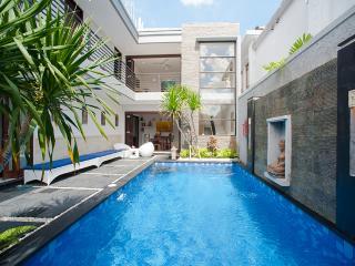 Villa Pene Satu - 3 Bedrooms - Seminyak