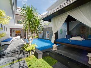SEMINYAK Villa Pene Satu - 3 Bedrooms - Seminyak