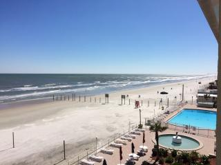 No pet fee Biketoberfest Oceanfront suite 4, Daytona Beach