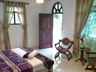 Luxury house in private gardens., Kalutara