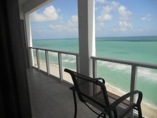 Beautiful One Bedroom Penthouse with balcony, Miami Beach