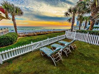 Surfin Sea:Open 08/01-08/08! Gulf Front, Pet Friendly, Gated Community!