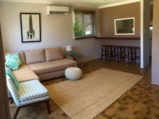 Sunbaker beach house, Culburra - Pet Friendly, Culburra Beach