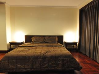 250SQM * 2BR * 6Pax * superb facilities * Prompong