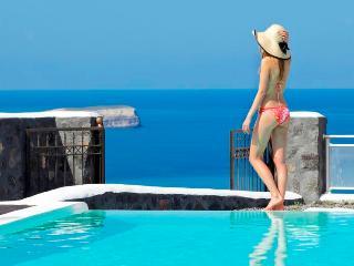 Blue Villas - Traditional Persephone Villa, Megalokhorion