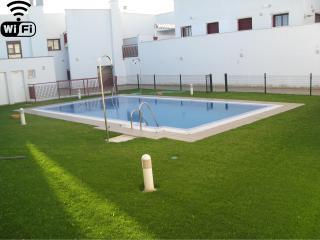 Precioso apartamento céntrico, con parking privado, aire acond, piscina y BBQ,