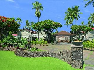Upgraded 2 bed/2 bath in the heart of Lahaina!!