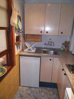 Fully equipped kitchen.