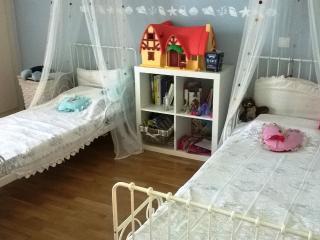 Comfortable apartment near the center and beach., Saronida