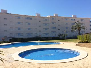Apartamento 4 personas piscina, parking, WiFi, L'Ampolla