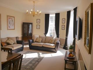 2 Bridge Street, Berwick -upon-Tweed, Town centre,  grade 11 listed apartment