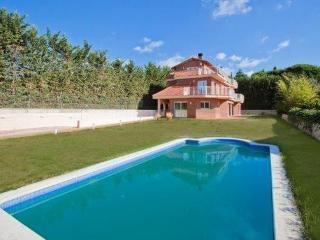 Hermosa casa nueva cerca de la playa con piscina, Sant Andreu de Llaveneres