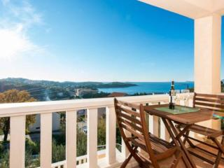 Epidaurus apartment 2 with a swimming pool, Cavtat