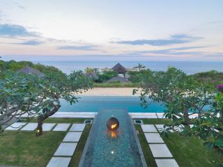 Villa Angin Laut - 4 BR Luxury Ocean View Villa