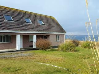 Self catering, sea view, beach, dogs welcome, WIFI, Stornoway