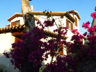 NICE HOUSE AT ONLY 5 KM. FROM COSTA REI BEACHES!!!, Castiadas