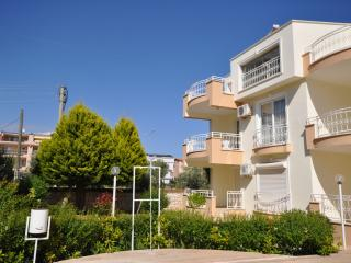 4 BEDROOM HOLIDAY PENTHOUSE WITH SWIMMING POOL, Altinkum