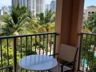 Great Location Miami Aventura YACHT CLUB 1BA+1BR