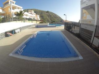 SPACIOUS APARTMENT los cristianos