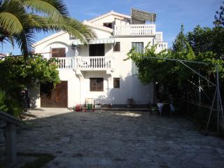 Apartments Antonela A4+1 B