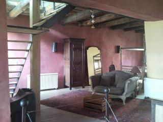 Maison ancienne dans le vieux Vallon Pont d'Arc, Vallon-Pont-d'Arc