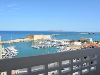 Modern Sea View Apartment, Heraklion