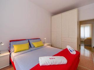 Central, bright and large flat in Portofino
