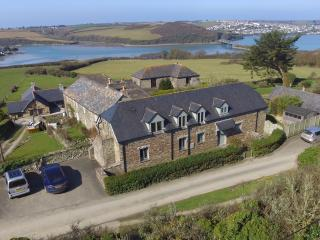 Luxury Padstow Barn Conversion with sea views