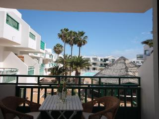 Stylish 1 bed apartment in central Costa Teguise