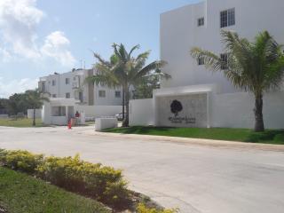 2016 New & Spacious Apartment at Playa del Carmen