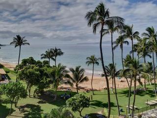 2 Bedroom Beautiful Oceanfront Mana Kai Maui Condo