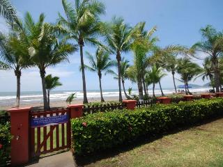 Great Beachfront Condo, Best Location in Jaco