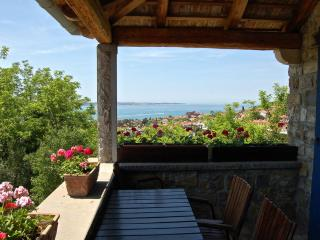 Istrian House - 1-bedroom apartment with sea view, Portoroz