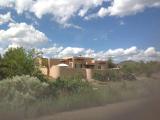 Casa Artista, Elegant, Quiet, on Greenbelt, Santa Fe