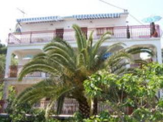 Apartment Juretic 3-50 m from the beach