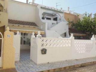 Lovely 3 bedroom, 2 bathrooms near to beach free WIFI  in  Mil Palmeras Sleeps 6